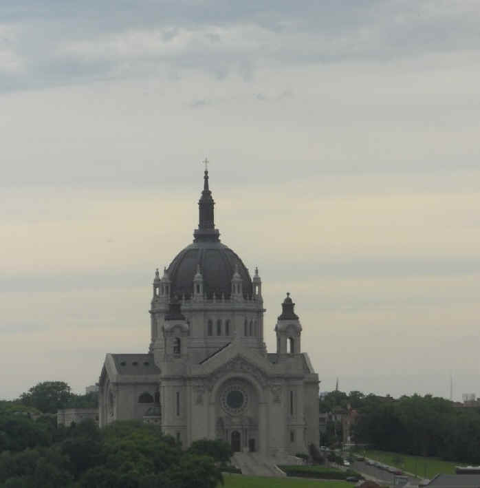 St Paul Cathedral_610x600.jpg (35668 bytes)