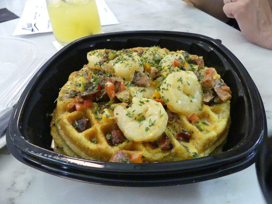 Shrimp and grits on a waffel