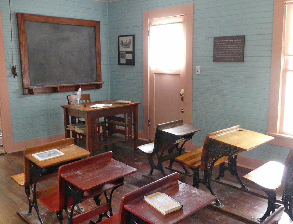Donald Schoolhouse Museum at grapevine, TX