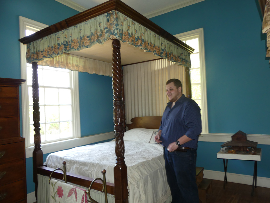 Bed with guide at kershaw-cornwallis house at Historic Camden
