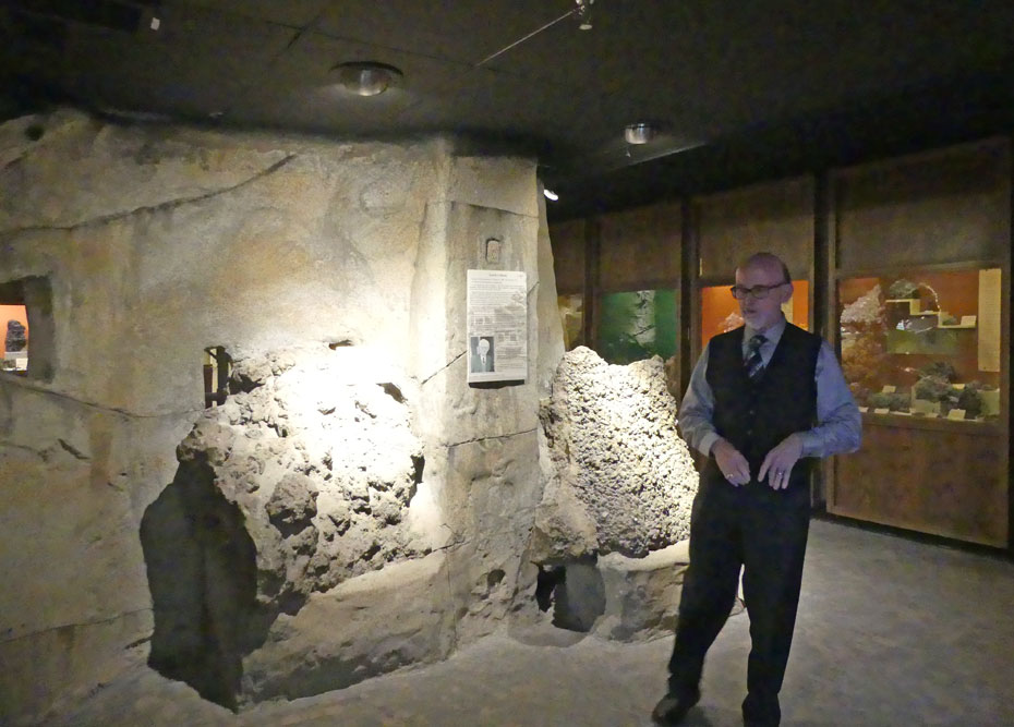 Director shows mineral exhibit at Joplin's Mineral and History Museum