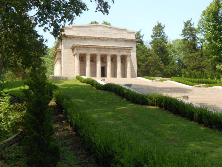 First Lincoln memorial