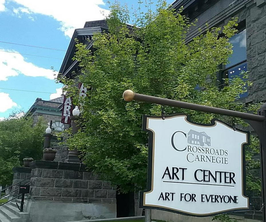 exterior of the Crossroads Carnegie Arts Center.