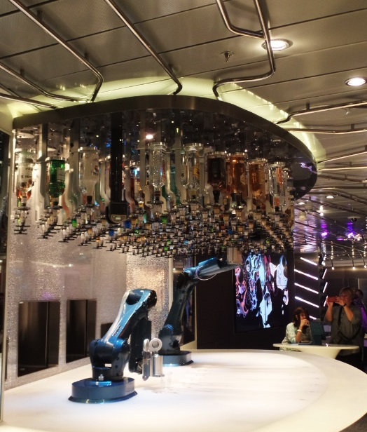 robo bartender on Anthem of the Seas