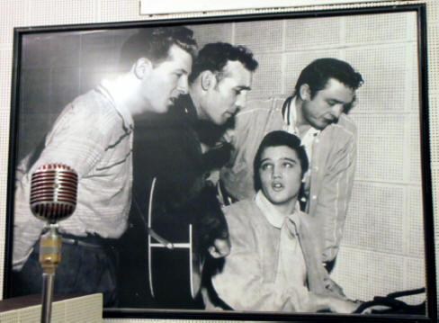 picture of Million Dollar Quarter, Elvis, Jerry lee Lewis, Johnny Cash and Carl Perkins, at Sun Studio in Mamphis Tennessee.
