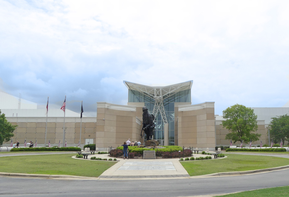Entrance to  Fort Bragg's  82nd Airborne Museum with stature of Iron Mike in foreground